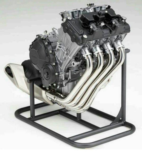 バイクのエンジンの種類 気筒数と乗り味の違いについて モタさいこ